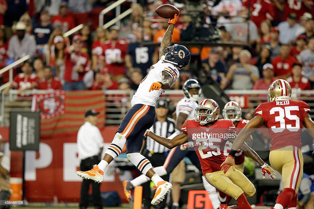 Wide receiver Brandon Marshall #15 of the Chicago Bears catches a touchdown pass during the second quarter of a game against the San Francisco 49ers at Levi's Stadium on September 14, 2014 in Santa Clara, California.