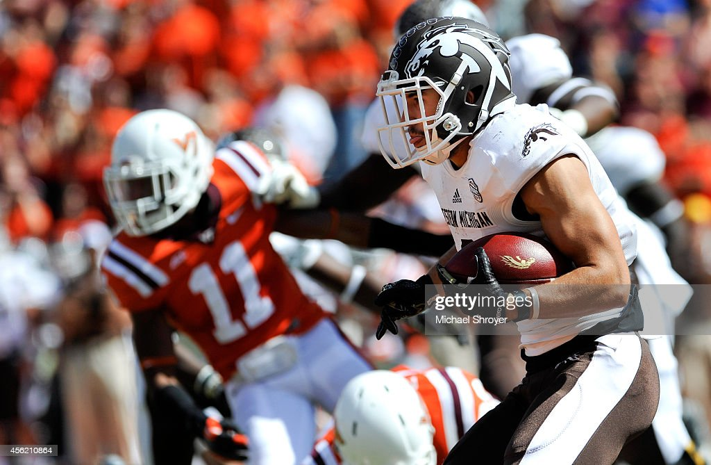 Wide receiver Daniel Braverman #8 of the Western Michigan Broncosrushes carries the ball on a reverse against Virginia Tech Hokies in the first half at Lane Stadium on September 27, 2014 in Blacksburg, Virginia. Virginia Tech defeated Western Michigan 35-17.