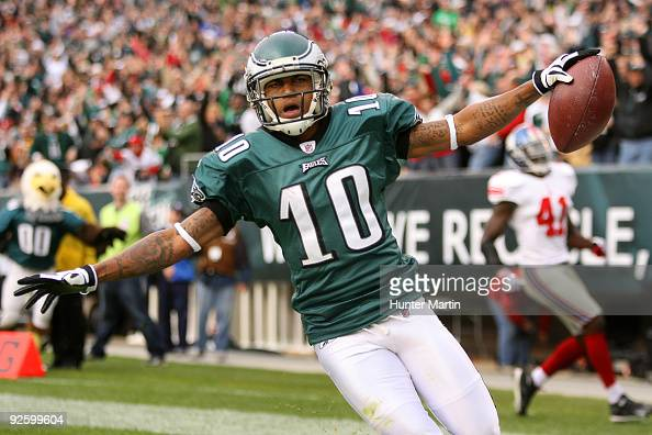 Wide receiver DeSean Jackson of the Philadelphia Eagles celebrates after scoring a touchdown during a game against the New York Giants on November 1...