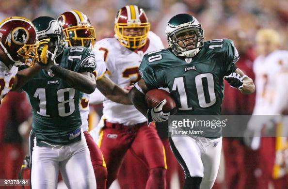 Wide receiver DeSean Jackson of the Philadelphia Eagles runs for a touchdown during a game against the Washington Redskins on October 26 2009 at...