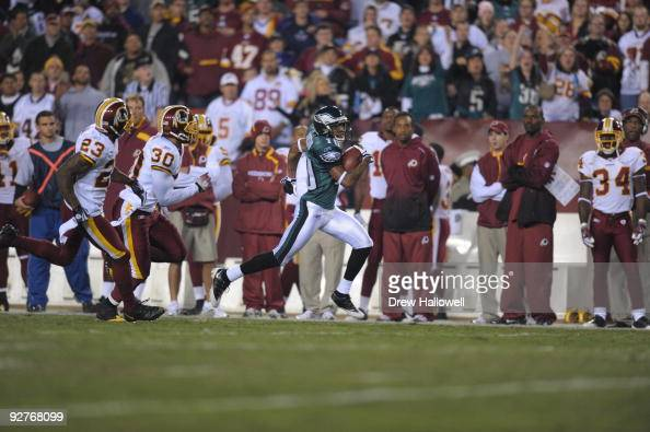 Wide Receiver DeSean Jackson of the Philadelphia Eagles runs for a touchdown in the first half during the game against the Washington Redskins on...