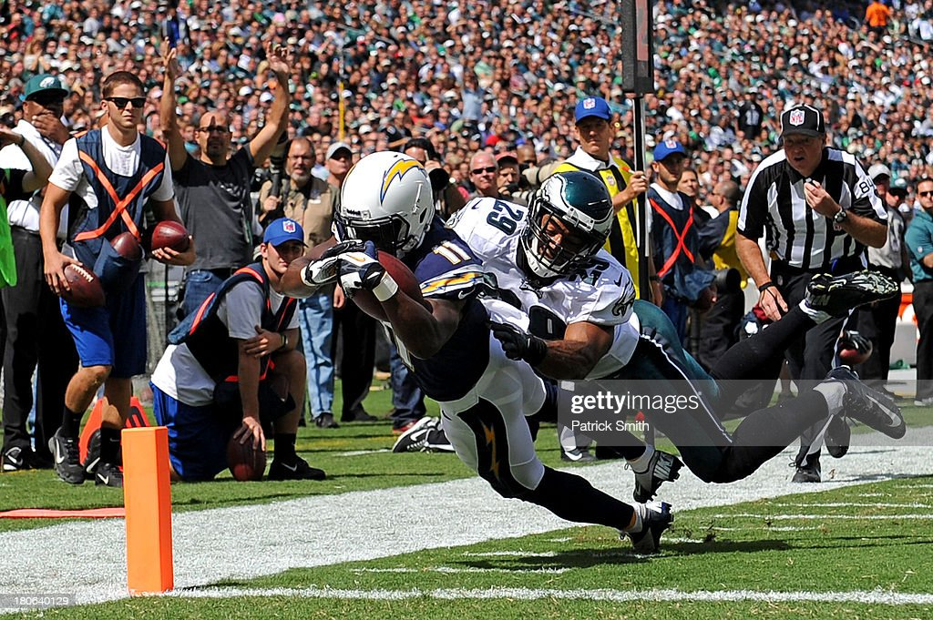 Wide receiver <a gi-track='captionPersonalityLinkClicked' href=/galleries/search?phrase=Eddie+Royal&family=editorial&specificpeople=2132149 ng-click='$event.stopPropagation()'>Eddie Royal</a> #11 of the San Diego Chargers scores a touchdown past safety Nate Allen #29 of the Philadelphia Eagles in the second quarter at Lincoln Financial Field on September 15, 2013 in Philadelphia, Pennsylvania.