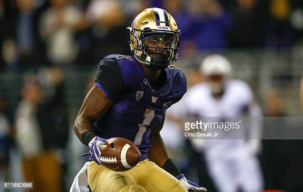 Wide receiver John Ross of the Washington Huskies scores a touchdown against the Stanford Cardinal in the second quarter on September 30 2016 at...