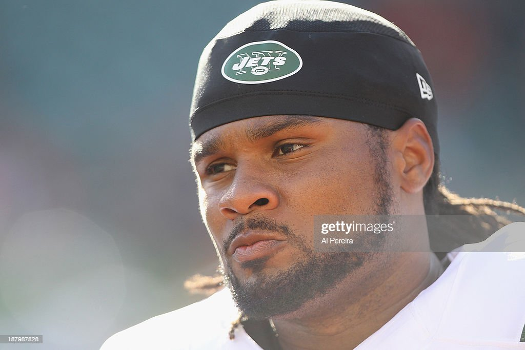 Wide Receiver Josh Cribbs of the New York Jets follows the action against the Cincinnati Bengals at Paul Brown Stadium on October 27 2013 in...