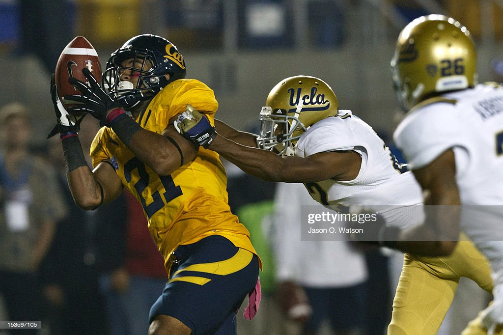 Wide receiver Keenan Allen #21 of the California Golden Bears catches a pass for a touchdown past cornerback Sheldon Price #22 of the UCLA Bruins during the third quarter at California Memorial Stadium on October 6, 2012 in Berkeley, California. The California Golden Bears defeated the UCLA Bruins 43-17.