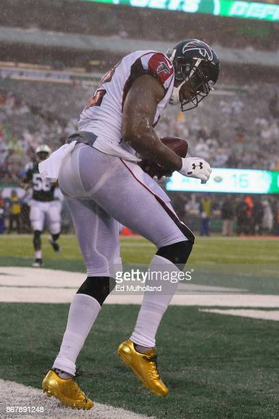 Wide receiver Mohamed Sanu of the Atlanta Falcons celebrates his celebrates his touchdown against the New York Jets during the fourth quarter of the...