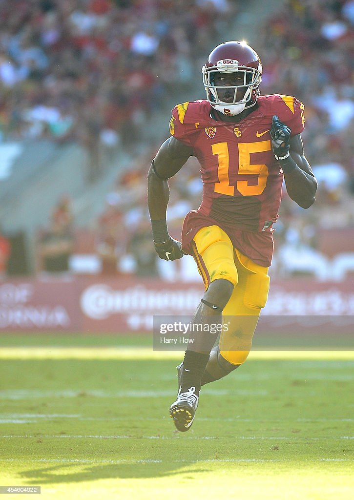 Wide receiver <a gi-track='captionPersonalityLinkClicked' href=/galleries/search?phrase=Nelson+Agholor&family=editorial&specificpeople=9697172 ng-click='$event.stopPropagation()'>Nelson Agholor</a> #15 of the USC Trojans runs a route during the game against the Fresno State Bulldogs at Los Angeles Memorial Coliseum on August 30, 2014 in Los Angeles, California.