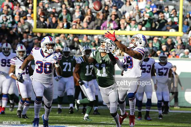 Wide Receiver Robby Anderson of the New York Jets in action against the Buffalo Bills at MetLife Stadium on January 1 2017 in East Rutherford New...