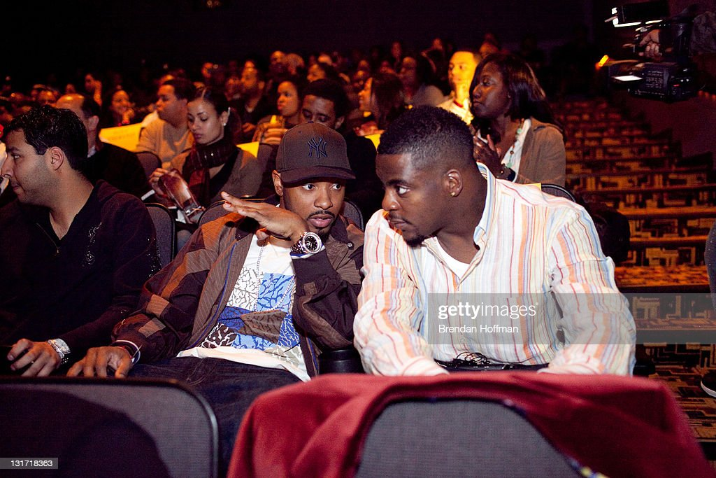 Wide receiver Santana Moss (L) and running back Clinton Portis of the Washington Redskins attend a screening of 'Notorious' January 13, 2009 in Washington, DC. The film, to be released January 16, is about the life of hip-hop artist Notorious B
