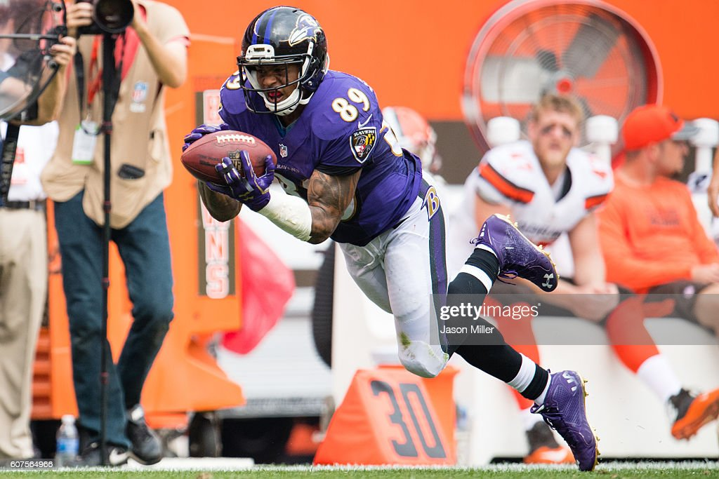 Wide receiver Steve Smith #89 of the Baltimore Ravens catches a pass from quarterback Joe Flacco #5 during the second half against the Cleveland Browns at FirstEnergy Stadium on September 18, 2016 in Cleveland, Ohio. The Ravens defeated the Browns 25-20.