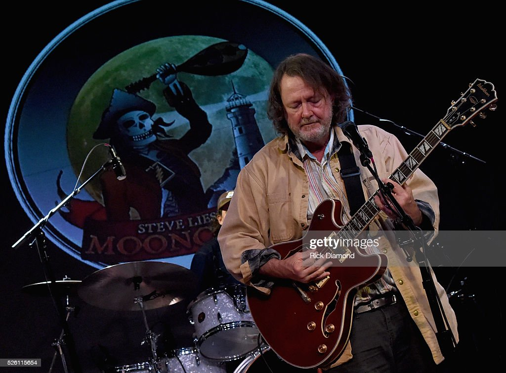 Widespread Panic's Singer/Guitarist John Bell rehearses with The Mooncussers during the White House Correspondents' Jam II presented by Mother Nature Network at The Hamilton on April 29, 2016 in Washington, DC.