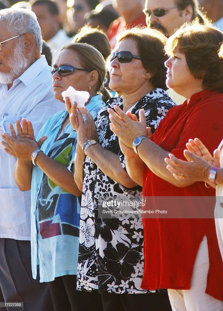 Widow of Che Guevara, Aleida March (C) and daughters Celia (L) and Aleida (R) attend a commemoration of the 40th anniversary of the death of Ernesto Che Guevara October 8, 2007 in Santa Clara, Cuba. Guevara was killed October 8, 2007 in Bolivia after being captured by CIA backed Bolivian soldiers.