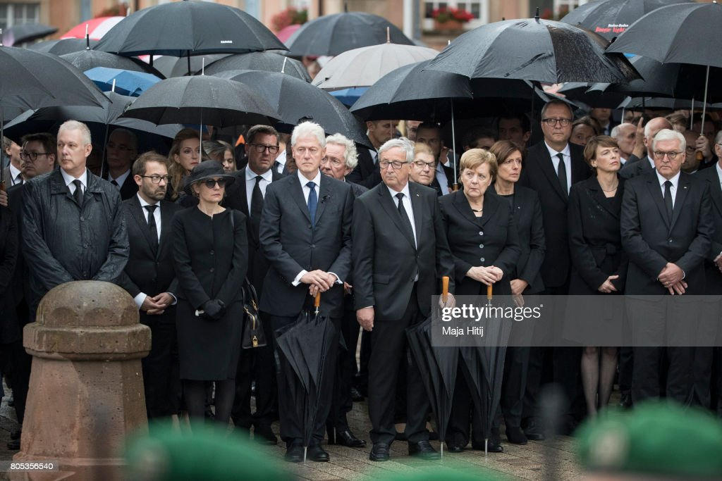 Widow of former German Chancellor Helmut Kohl, Maike Kohl-Richter, Former US President Bill Clinton, President of the EU Commission Jean-Claude Juncker, German Chancellor Angela Merkel, wife of German president Elke Buedenbender, German President Frank-Walter Steinmeier pay respect to late former Chancellor Helmut Kohl during military honors after a mass on July 1, 2017 at the cathedral in Speyer. Germany. Kohl was chancellor of Germany for 16 years and led the country from the Cold War through to reunification. He died on June 16 at the age of 87.