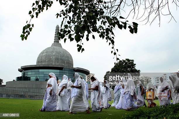 Widows from Vrindvan visit Buddha Memorial Park of Patna during their First tour to Patna and Kolkatta to see Durga Pooja