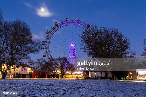 Wiener im Winter ferris wheel point of view : Stock-Foto