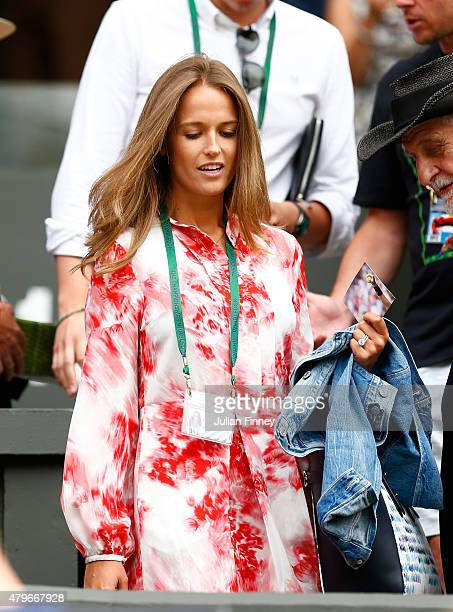 Wife Kim Murray arrives to watch Andy Murray of Great Britain in his Gentlemen's Singles Fourth Round match against Ivo Karlovic of Croatia during...