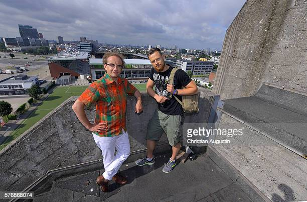 Wigald Boning and Fritz Meinecke pose on the rooftop of the bunker on Hamburgs Heiligengeistfeld to present the new local production 'Wigald Fritz...