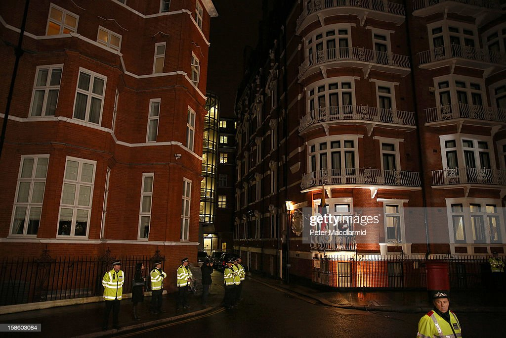 Wikileaks founder Julian Assange speaks from the Ecuadorian Embassy on December 20, 2012 in London, England. Mr Assange has been living in the embassy since June 2012 in an attempt to avoid extradition to Sweden where he faces allegations of sexual assault.