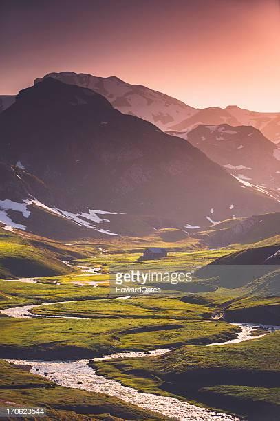 Pyrénées la montagne rivière