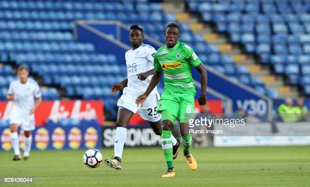 Wilfred Ndidi of Leicester City in action with Denis Zakaria of Borussia Monchengladbach during the Leicester City v Borussia Monchengladbach...