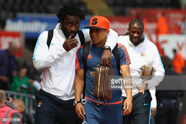 http://media.gettyimages.com/photos/wilfried-bony-of-manchester-city-walks-into-the-stadium-alongside-picture-id531517648?s=594x594