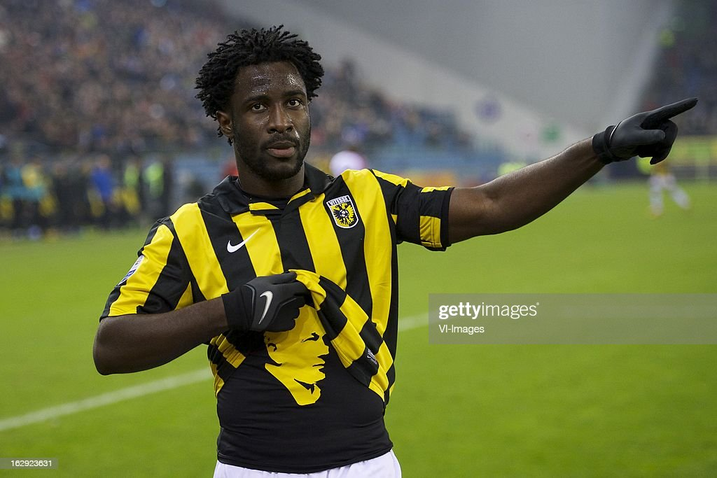 Wilfried Bony of Vitesse tribute to Theo Bos during the Dutch Eredivisie match between Vitesse Arnhem and FC Utrecht at the Gelredome on march 01, 2013 in Arnhem, The Netherlands