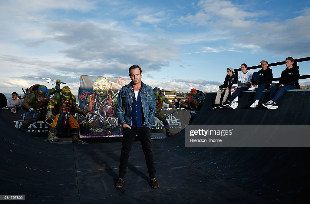 Will Arnett poses at Bondi beach during a photo call ahead of the Australian premiere of Teenage Mutant Ninja Turtles 2 on May 28, 2016 in Sydney, Australia.