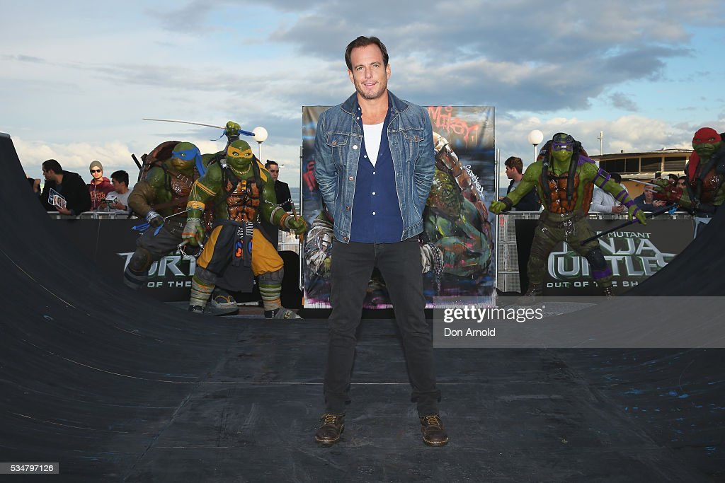 <a gi-track='captionPersonalityLinkClicked' href=/galleries/search?phrase=Will+Arnett&family=editorial&specificpeople=209259 ng-click='$event.stopPropagation()'>Will Arnett</a> poses pose during a photo call ahead of the Australian premiere of Teenage Mutant Ninja Turtles 2 on May 28, 2016 in Sydney, Australia.
