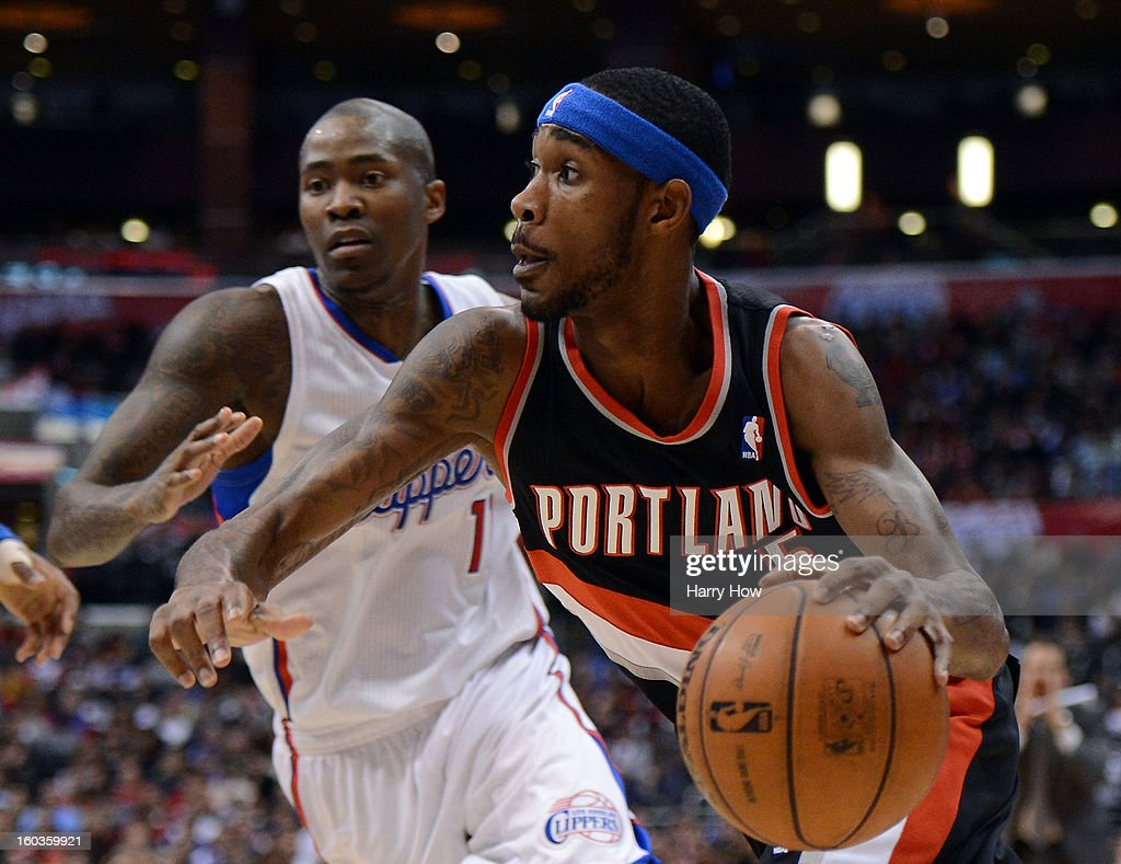 Will Barton #5 of the Portland Trail Blazers drives to the basket past Jamal Crawford #11 of the Los Angeles Clippers at Staples Center on January 27, 2013 in Los Angeles, California.