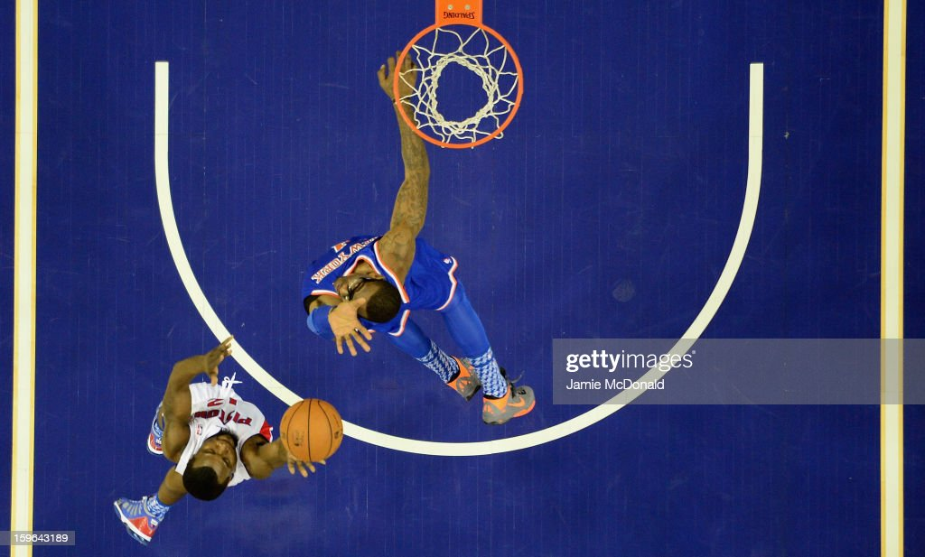 <a gi-track='captionPersonalityLinkClicked' href=/galleries/search?phrase=Will+Bynum&family=editorial&specificpeople=212891 ng-click='$event.stopPropagation()'>Will Bynum</a> of Detroit Pistons shoots a basket during the NBA London Live 2013 game between New York Knicks and the Detroit Pistons at the O2 Arena on January 17, 2013 in London, England.