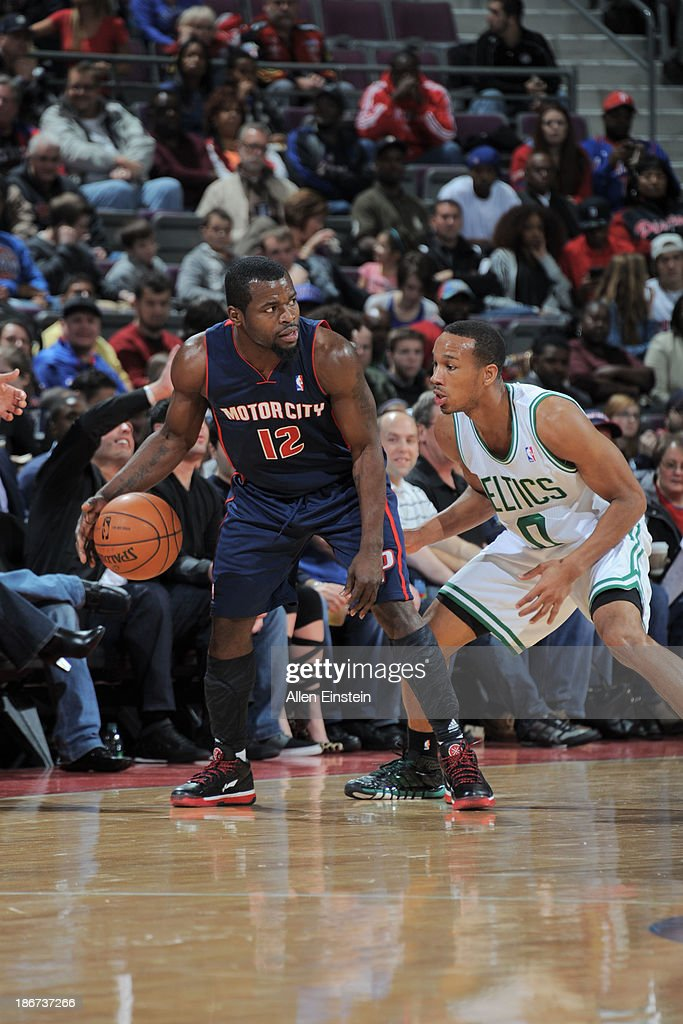 <a gi-track='captionPersonalityLinkClicked' href=/galleries/search?phrase=Will+Bynum&family=editorial&specificpeople=212891 ng-click='$event.stopPropagation()'>Will Bynum</a> #12 of the Detroit Pistons controls the ball against <a gi-track='captionPersonalityLinkClicked' href=/galleries/search?phrase=Avery+Bradley&family=editorial&specificpeople=5792051 ng-click='$event.stopPropagation()'>Avery Bradley</a> #0 of the Boston Celtics on November 3, 2013 at The Palace of Auburn Hills in Auburn Hills, Michigan.