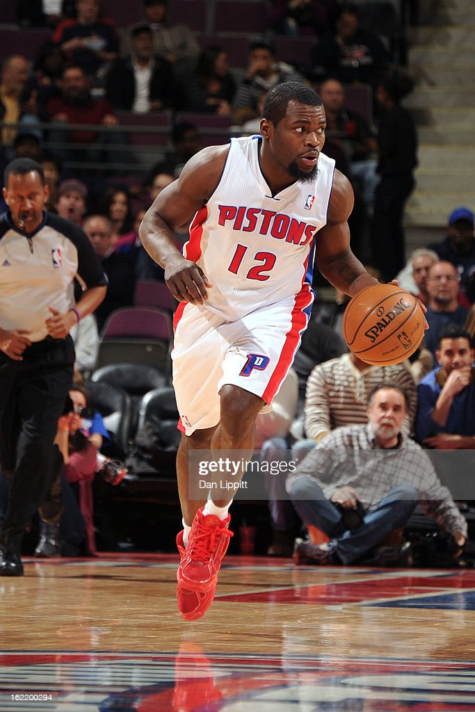 <a gi-track='captionPersonalityLinkClicked' href=/galleries/search?phrase=Will+Bynum&family=editorial&specificpeople=212891 ng-click='$event.stopPropagation()'>Will Bynum</a> #12 of the Detroit Pistons handles the ball against the Memphis Grizzlies on February 19, 2013 at The Palace of Auburn Hills in Auburn Hills, Michigan.
