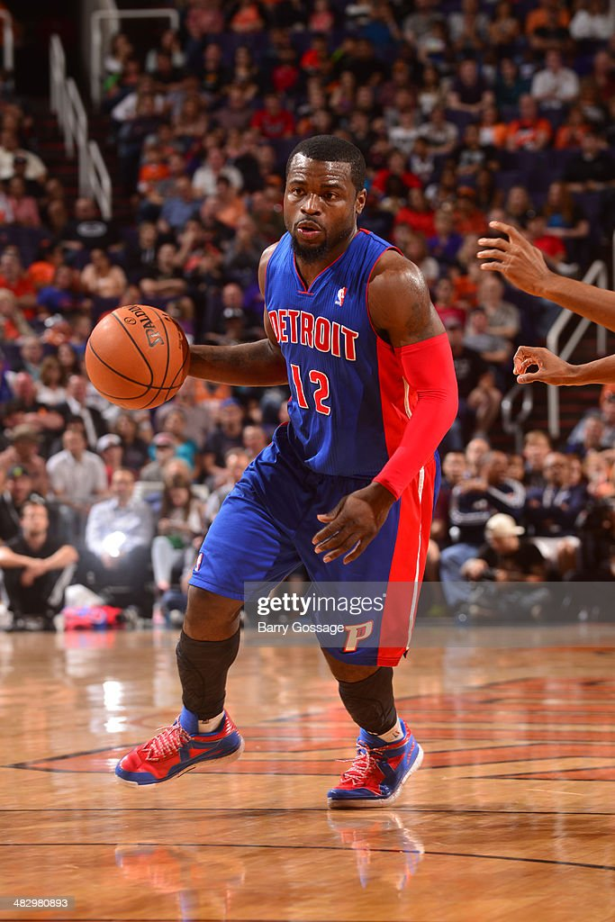 <a gi-track='captionPersonalityLinkClicked' href=/galleries/search?phrase=Will+Bynum&family=editorial&specificpeople=212891 ng-click='$event.stopPropagation()'>Will Bynum</a> #12 of the Detroit Pistons handles the ball against the Phoenix Suns on March 21, 2014 at U.S. Airways Center in Phoenix, Arizona.