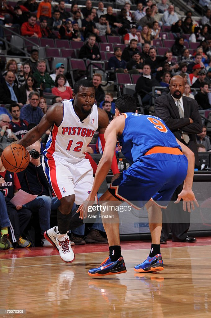Will Bynum #12 of the Detroit Pistons handles the ball during a game against the New York Knicks on March 3, 2014 at The Palace of Auburn Hills in Auburn Hills, Michigan.