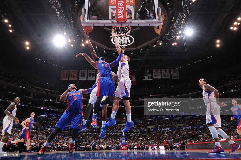 Will Bynum #12 of the Detroit Pistons shoots against the Los Angeles Clippers at STAPLES Center on March 22, 2014 in Los Angeles, California.