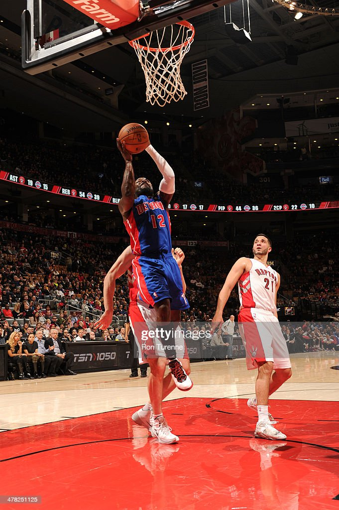 Will Bynum #12 of the Detroit Pistons shoots against the Toronto Raptors on March 12, 2014 at the Air Canada Centre in Toronto, Ontario, Canada.