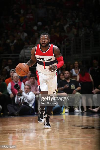 Will Bynum of the Washington Wizards brings the ball up court against the Atlanta Hawks in Game Four of the Eastern Conference Semifinals during the...