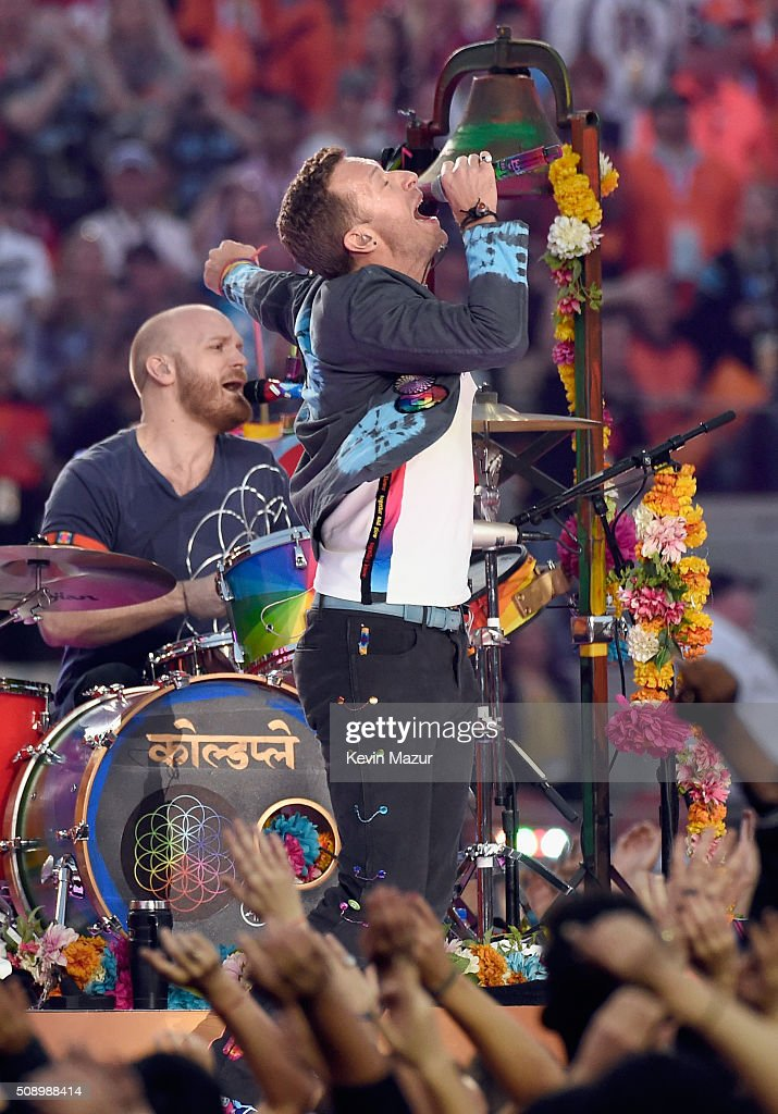 <a gi-track='captionPersonalityLinkClicked' href=/galleries/search?phrase=Will+Champion&family=editorial&specificpeople=750771 ng-click='$event.stopPropagation()'>Will Champion</a> and <a gi-track='captionPersonalityLinkClicked' href=/galleries/search?phrase=Chris+Martin+-+M%C3%BAsico&family=editorial&specificpeople=4468181 ng-click='$event.stopPropagation()'>Chris Martin</a> of Coldplay perform onstage during the Pepsi Super Bowl 50 Halftime Show at Levi's Stadium on February 7, 2016 in Santa Clara, California.