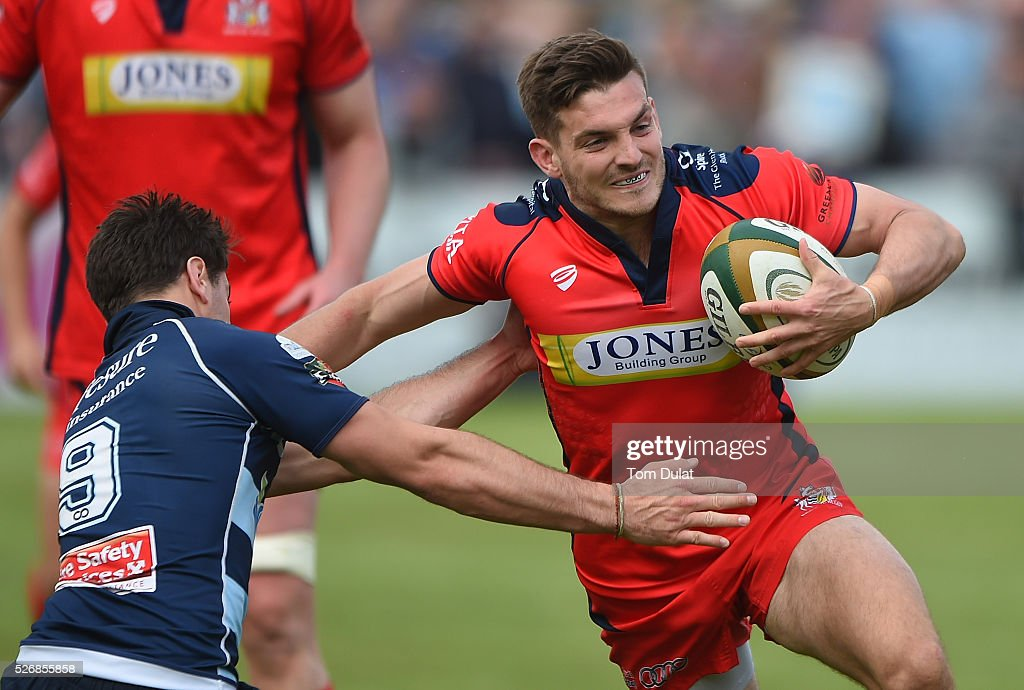 Will Cliff of Bristol Rugby is tackled during the Greene King IPA Championship Play Off Semi Final first leg match between Bedford Blues and Bristol Rugby at Goldington Road on May 1, 2016 in Bedford, England. (Photo by Tom Dulat/Getty Images).