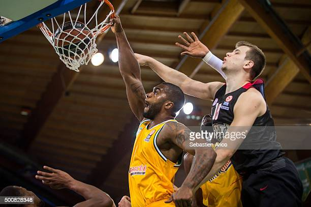 Will Daniels #6 of Limoges CSP competes with Nikola Milutinov #11 of Olympiacos Piraeus during the Turkish Airlines Euroleague Basketball Regular...