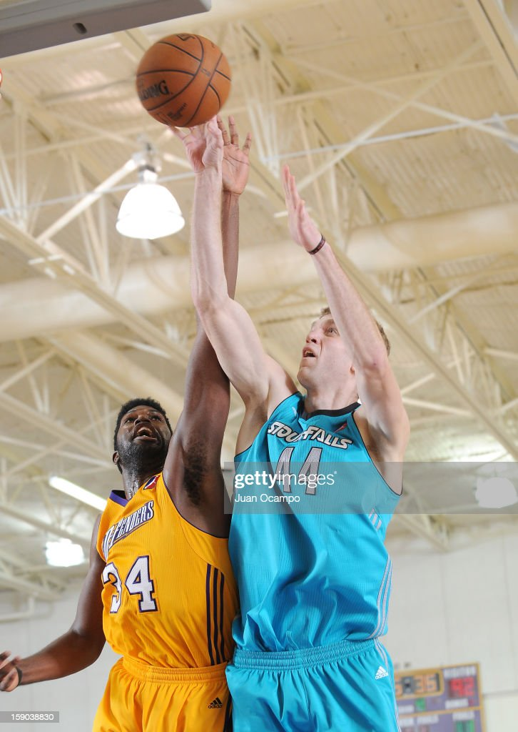 Will Foster #44 of the Sioux Falls Skyforce goes to the basket against Anthony Stover #34 of the Los Angeles D-Fenders on January 5, 2013 at Toyota Sports Center in El Segundo, California.