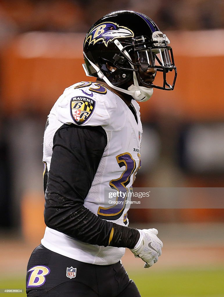 Will Hill #33 of the Baltimore Ravens during the game against the Cleveland Browns at FirstEnergy Stadium on November 30, 2015 in Cleveland, Ohio.