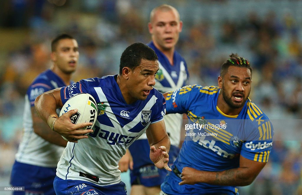 <a gi-track='captionPersonalityLinkClicked' href=/galleries/search?phrase=Will+Hopoate&family=editorial&specificpeople=6735149 ng-click='$event.stopPropagation()'>Will Hopoate</a> of the Bulldogs runs the ball during the round nine NRL match between the Parramatta Eels and the Canterbury Bulldogs at ANZ Stadium on April 29, 2016 in Sydney, Australia.