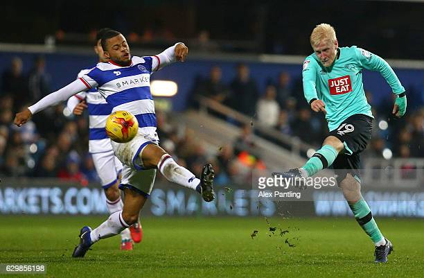 Will Hughes of Derby County shoots on goal during the Sky Bet Championship match between Queens Park Rangers and Derby County at Loftus Road on...