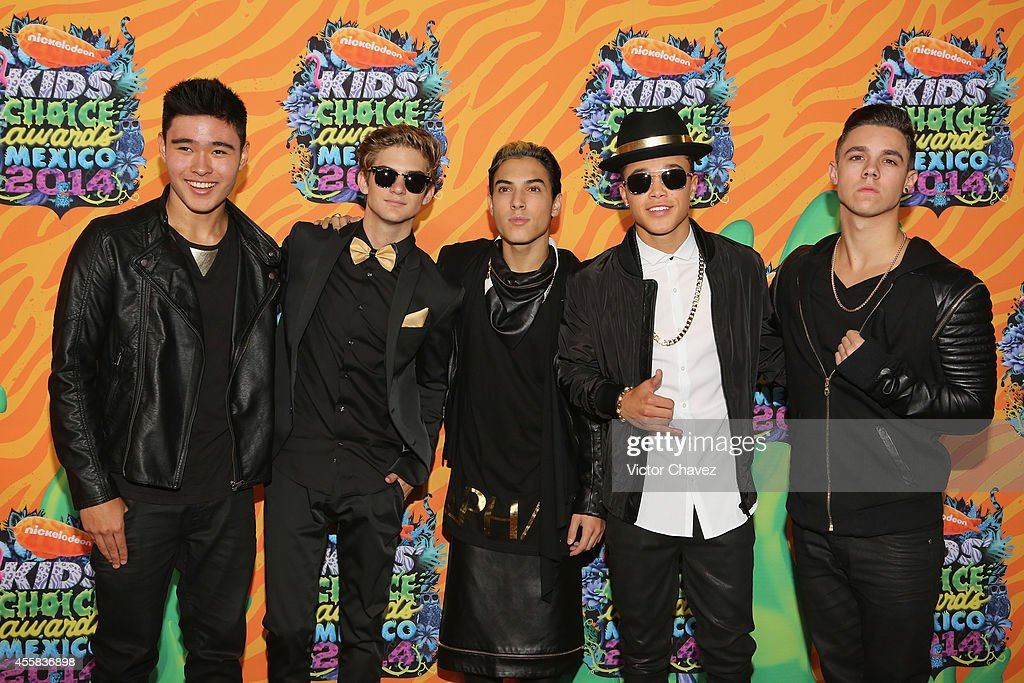 Will Jay Cole Pendery Gabriel Morales Dana Vaughns and David Scarzone of IM5 attend the Nickelodeon Kids' Choice Awards Mexico 2014 at Pepsi Center...