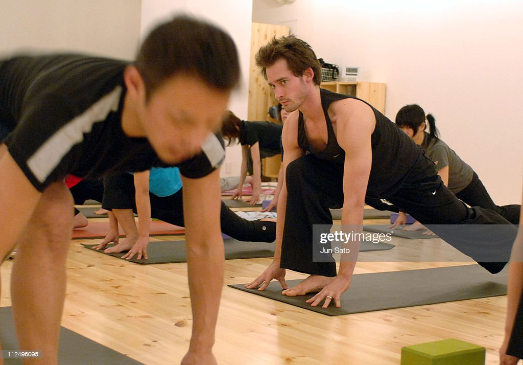 Will Kemp Visits Yoga Workshop for Japanese Yoga Students - April 13, 2005