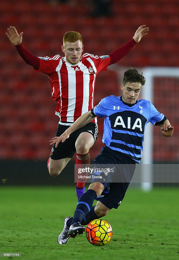 Will Miller of Tottenham Hotspur U21 is tracked by Harry Reed of Southampton U21 during the Barclays U21 Premier League match between Southampton and Tottenham Hotspur at St Mary's Stadium on February 9, 2016 in Southampton, England.