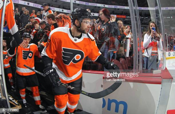 Will O'Neill and Jori Lehtera of the Philadelphia Flyers enter the ice surface for warmups against the Colorado Avalanche on November 4 2017 at the...