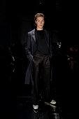 Dunhill : Front Row - Paris Fashion Week - Menswear F/W...