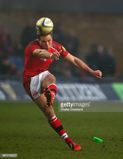 Will Robinson of London Welsh kicks a penalty during the Aviva Premiership match between London Welsh and Harlequins at Kassam Stadium on January 04...